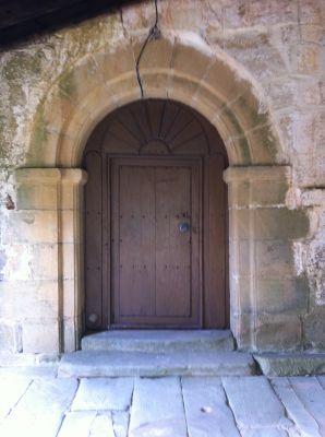 https://navamuel.com/images/IglesiaInterior/Puerta.jpg